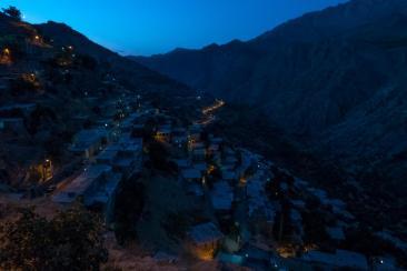 Uraman Takht bei Nacht
